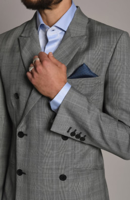 Chemise de costume bleue pour homme à Paris | LILAR au 205 rue Saint-honoré