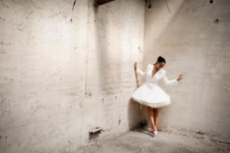 Robe de mariée façon danseuse sur-mesure pour femme à Paris by Sandrine Rocher Derichebourg