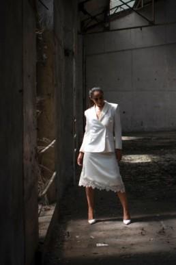 Tailleur jupe de mariée sur-mesure à Paris by Sandrine Rocher Derichebourg
