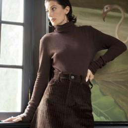 Boutique prêt à porter de luxe pour femme à Paris LILAR - Jupe courte en velours cotelé